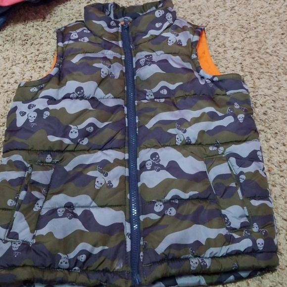 Old Navy Other - Puffer vest Fleece inside Rainproof Xs/5 boys